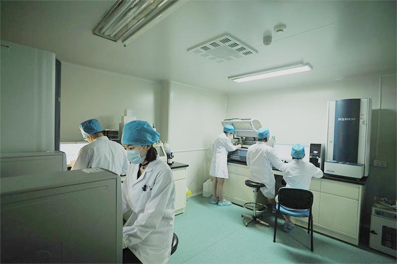 成都博润白癜风精准医学项目,毛囊外根鞘外科治疗