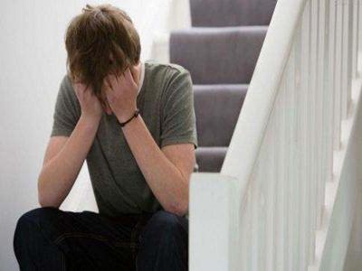 成都博润白癜风医院:预防青少年出现白癜风?